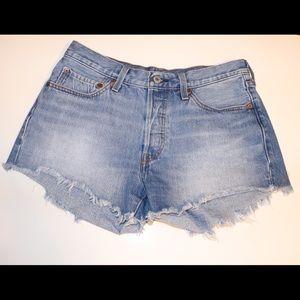 Levi's 501 women's shorts size 30
